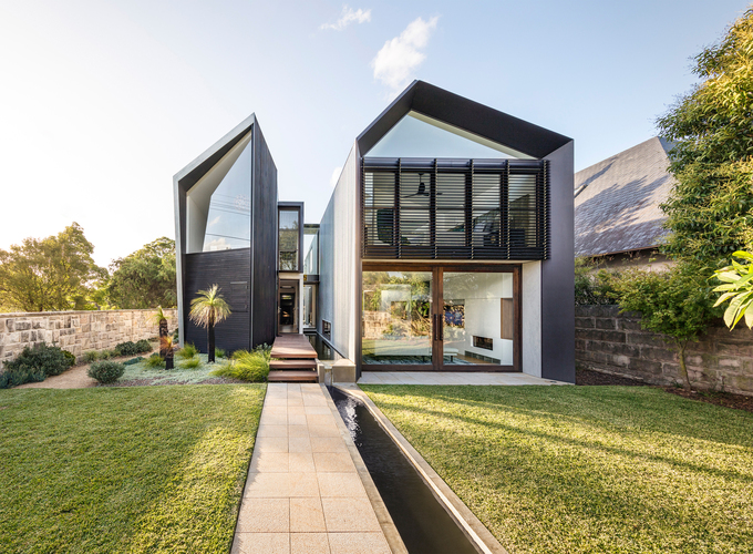Ngôi biệt thự 'chẻ làm đôi' được đề cử giải thưởng kiến trúc