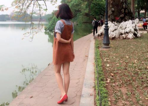 Kể cả khi đã có thu nhập cao, Khánh Linh vẫn luôn chon cách sống, ăn mặc giản dị, phần lớn tiền dành dụm và để đầu tư. Ảnh: KL.