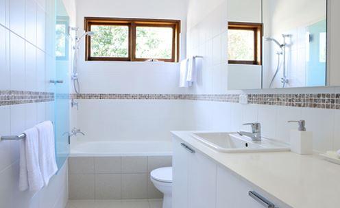 6 mẹo nhỏ hiệu quả lớn loại sạch mùi hôi nhà vệ sinh - 3