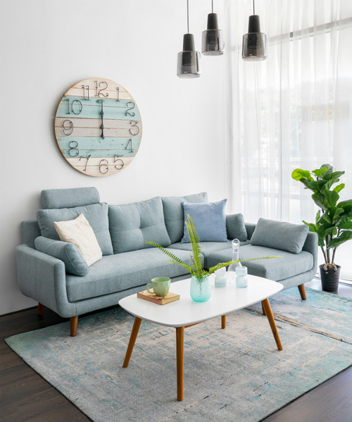 The highlight of the seating area is the sofa with the integral module, which can use a long ribbon or flexibility to turn the corner sofa, combine the water table and a small TV cabinet. The letter L custom rotated left-subject to the apartment texture, oak legs, high-end timber frame fabric with 3 colors: dark blue, pale blue, beige.