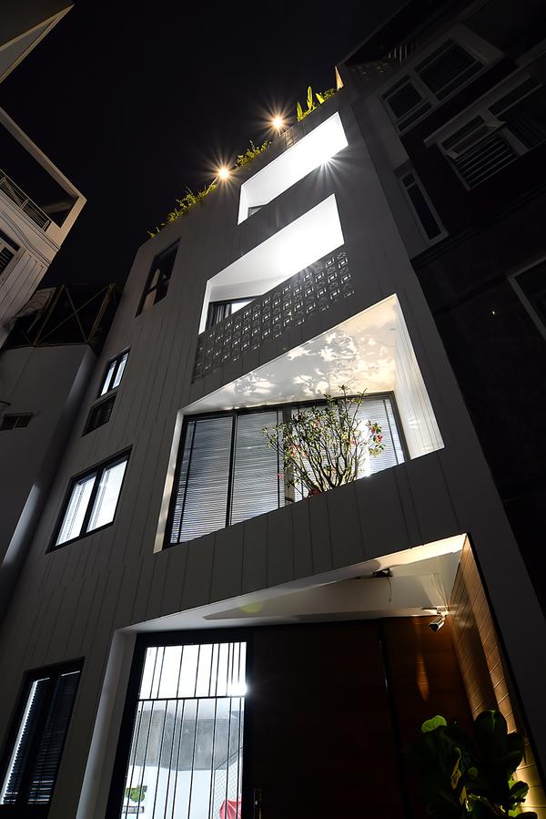 HUY 8017 600x0 - Lời giải của kiến trúc sư cho mảnh đất nhỏ, méo 6 cạnh ở Sài Gòn