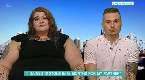 Rosie cho biết cô tăng gần 80 kg sau 18 tháng hẹn hò. Ảnh: The Mirror.