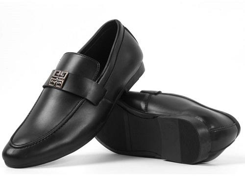 Giày lười nam thời trang Zapas  giá gốc 300.000 đồng giảm 60% chỉ còn 119.000 đồng. Với chất liệu da PU, đế Cao su tổng hợp Thiết kế: Giày lười  dáng xỏ hất liệu da cao cấp rất mềm mại và êm ái sẽ khiến cho người dùng có cảm ... Phần lót giày cũng được làm bằng da thật nên có tính hút ẩm cao và không lưu mùi.