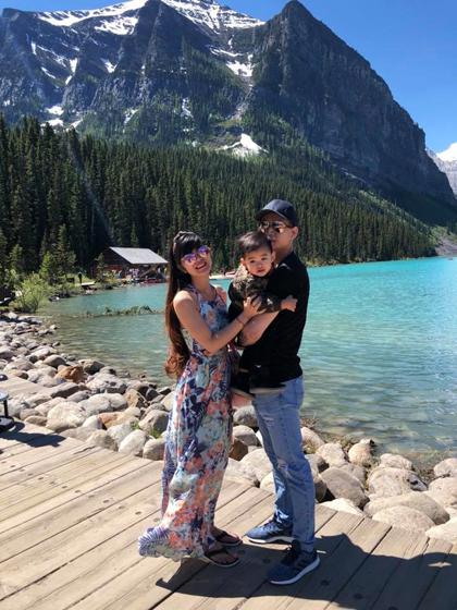 Hiền và Lâm đang sinh sống tại Canada. Mỗi tuần họ có một ngày nghỉ chung và thường tranh thủ đưa con đi chơi. Ảnh: NVCC.