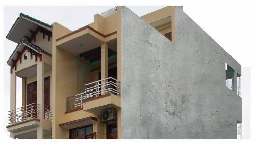 Vết nứt chân chim, một trong những nguyên nhân gây thấm tường.