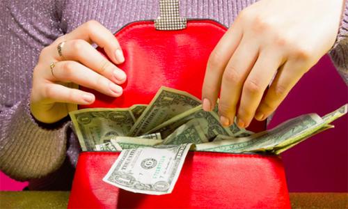Cô gái nhận tiền của bố mẹ chồng tương lai để dừng đám cưới - ảnh 1