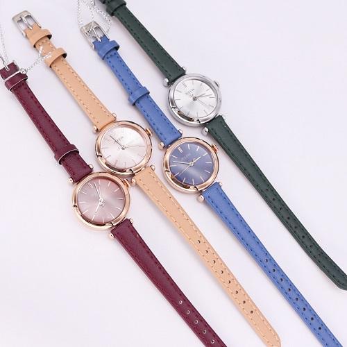 Những cô nàng thích thay đổi phong cách có thể mua trọn bộ đồng hồ nữ JA-1018 Julius Hàn Quốc dây da5 màu cá tính với giá ưu đãi 499.000 đồng trên Shop VnExpress.