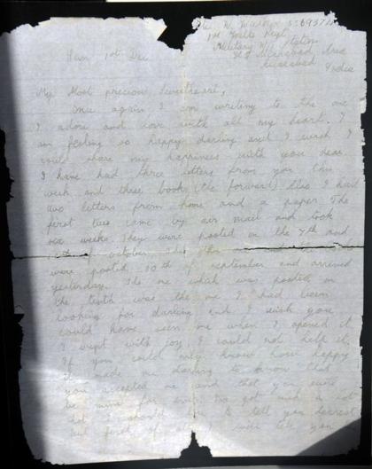 Lá thư của Bill Walker được tìm lại hầu như nguyên vẹn dù nằm dưới đáy biển hơn 77 năm. Ảnh: Mirror.