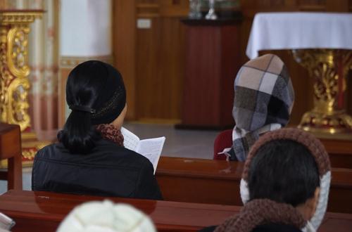 Thánh đường vừa là nơi học giáo lý, nơi xưng tội, cũng là nơi có những buổi văn nghệ nho nhỏ cho những thành viên trong mái ấm. Ảnh: Trọng Nghĩa.