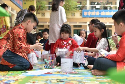 Tác phẩm nghệ thuật làm từ 600 hộp nhựa tại Hà Nội - 3