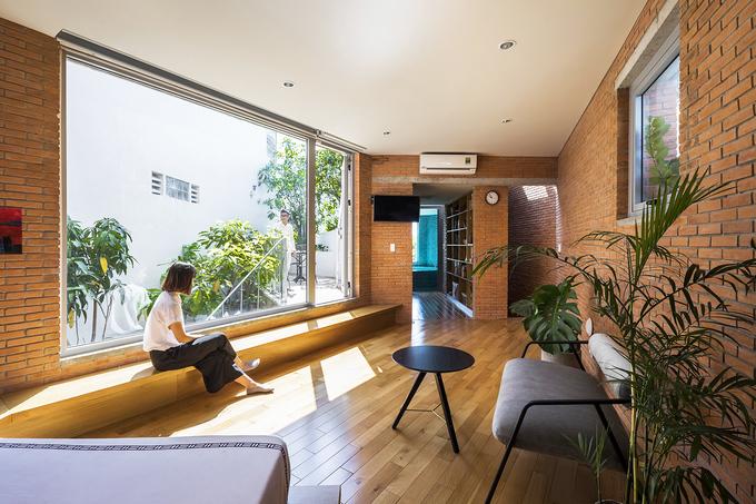 Nhà Sài Gòn 'giấu' bể bơi dài 11 mét trong phòng khách