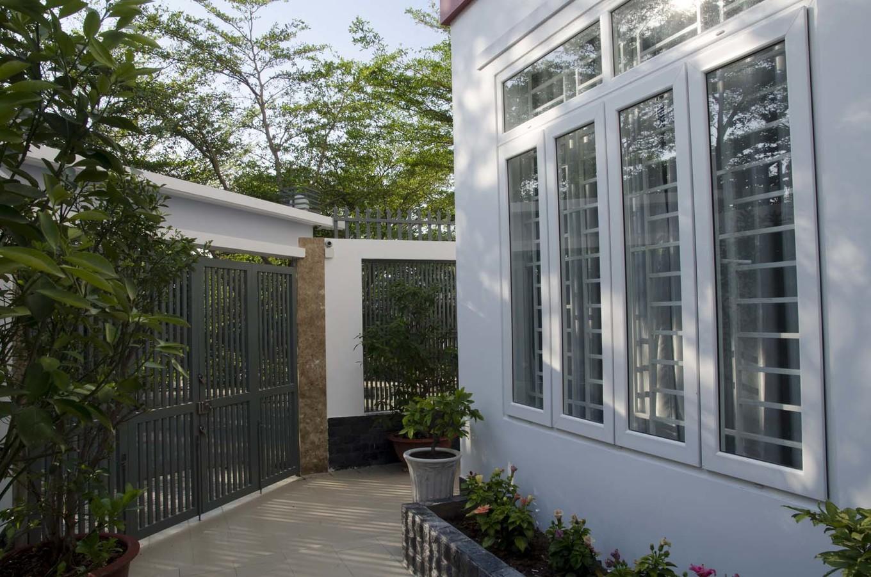 21 cửa kính giúp ngôi nhà Sài Gòn không có góc nào tối