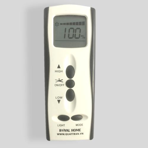 Điều khiển 100 cấp độ có ưu điểm tùy chọn tốc độ phù hợp theo nhu cầu của người dùng, mỗi tốc độ cách nhau 1%. Nút Mode có thể điều chỉnh các chế độ như gió thoảng cho người lớn tuổi, chế độ đi ngủ hay hẹn giờ.