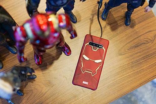 Ngoài ra, các fan Marvel còn có thể truy cập tựa game Marvel Future Fight yêu thích hoặc ứng dụng Special để tải thêm hình nền và xem trailer của phim Avengers: Endgame ngay từ màn hình khoá.
