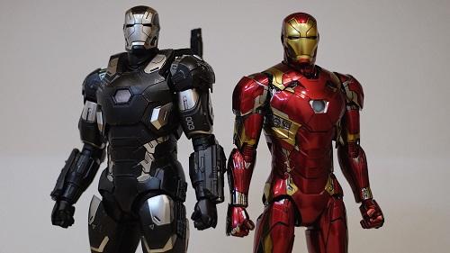 Tất Thành khá yêu thích Iron Man nên có lúc sở hữu đến bốn mô hình của nhân vật này theo các bộ giáp khác nhau. Sau quá trình lọc bộ sưu tập, Thành giữ lại bộ giáp Mark 46 từng xuất hiện trong phần thứ ba của phimCaptain America.