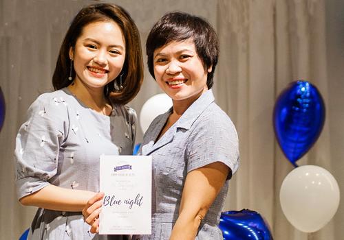 Cả Ngọc Anh và mẹ thấy sáng suốt khi năm 2017 quyết định bỏ cơ hội du học Mỹ, để học tập tại Việt Nam và có nhiều thời gian bên nhau hơn. Ảnh: NVCC.