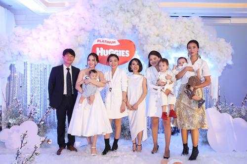 Đinh Ngọc Diệp, Trang Khiếu, Hà Đỗ cùng con trai dự sự kiện mẹ và bé - ảnh 1