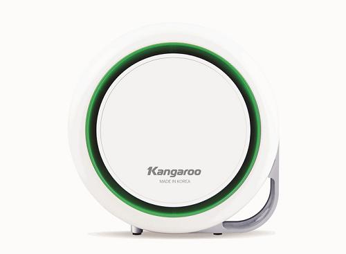 Máy lọc không khí trong gia đình Kangaroo KG-AP3 sử dụng bộ lọc E2F có khả năng hút các hạt bụi bẩn, ẩm nhỏ trong không khí. Sản phẩm kích thước nhỏ gọn, phù hợp sử dụng trên ô tô, văn phòng, phòng học, phòng ngủ, nôi em bé.