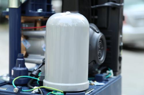 Bình tích áp chống gỉ, không cần nạp gas, giúp máy bơm duy trì áp suất ổn định.