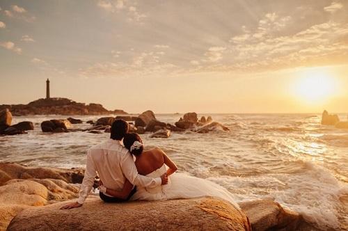 Một kỳ trăng mật lãng mạn, ngọt ngào sẽ tạo thành kỷ niệm đẹp cho đời sống hôn nhân. Ảnh: Pioneer.