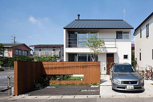 Ở Nhật, ra khỏi trung tâm thành phốthì hầu hết người dân đều sở hữu nhà riêng. Ảnh: Sohu.