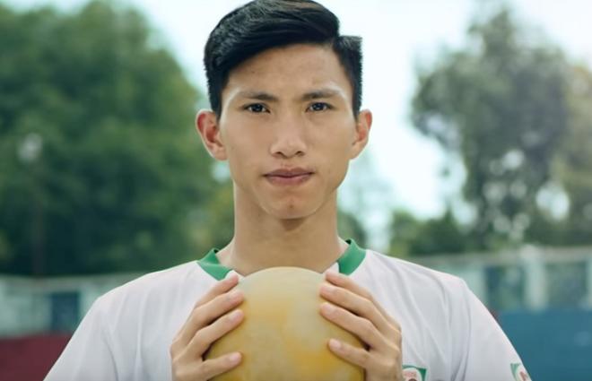 Chuyện chưa kể đằng sau vật cũ mòn của tuyển thủ Việt