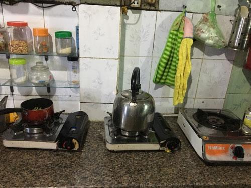 Hàng ngày tôi thích nấu ăn và tận hưởng cuộc sống một mình trong căn bếp.