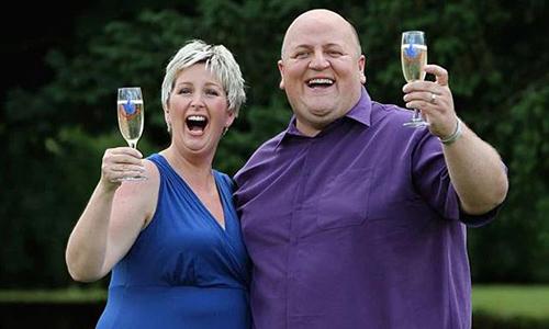 Ông Adrian chia tay vợ 15 tháng sau trúng số. Ảnh: Mirror.