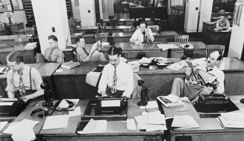 Công việc ngày xưa ở các văn phòng kết nối trực tiếp với nhau nhiều hơn. Ảnh: ba-bamail.