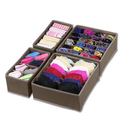 Closet Underwear Organizer Drawer Divider (Ngă kéo để đồ lót): Sản phẩm này đặc biệt thích hợp với phái nữ vì nó sẽ giúp cho những món đồ lót của bạn trở nên ngăn nắp, gọn gàng và dễ tìm kiếm hơn. Hãy sắp xếp tất, áo ngực, và quần lót của bạn một cách gọn gàng phân biệt theo từng ngăn. Và nhớ đo ngăn kéo của bạn trước khi đặt hàng để đảm bảo độ phù hợp của hai thứ.
