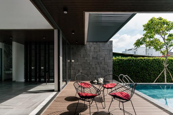 Ngôi nhà như resort ẩn sau bức tường kín đáo ở Tiền Giang - ảnh 11