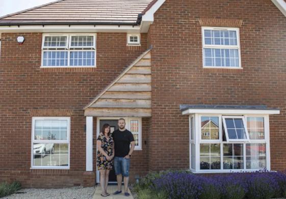 Gia đình Anh phát hiện hơn 400 lỗi trong ngôi nhà mới mua - ảnh 1
