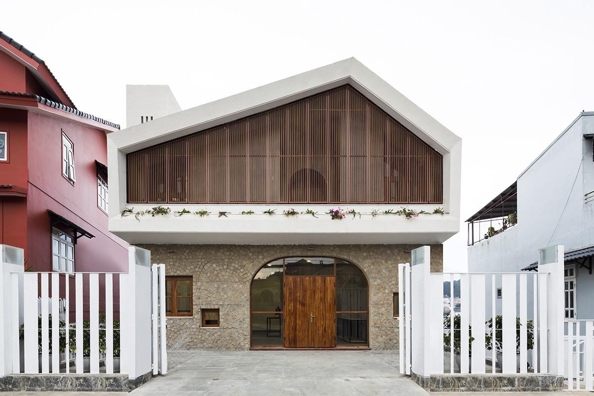 Ngôi nhà Đà Lạt mang hai khuôn mặt đối lập