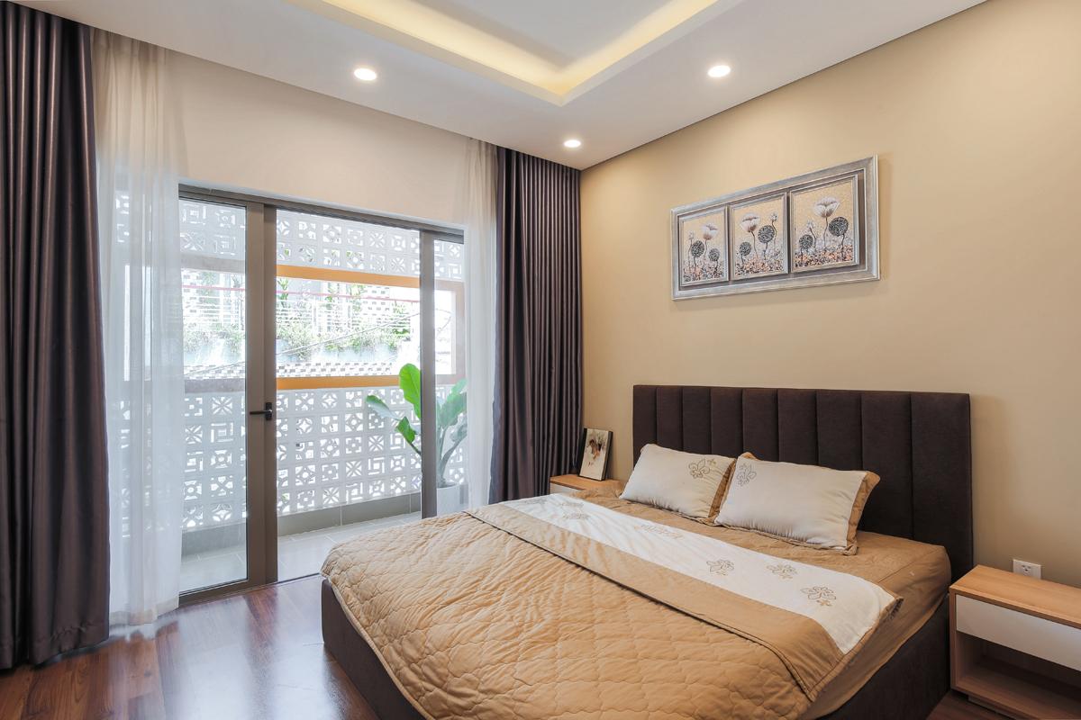 Nhà Sài Gòn 'kín bưng' ngăn cách mọi ánh nhìn