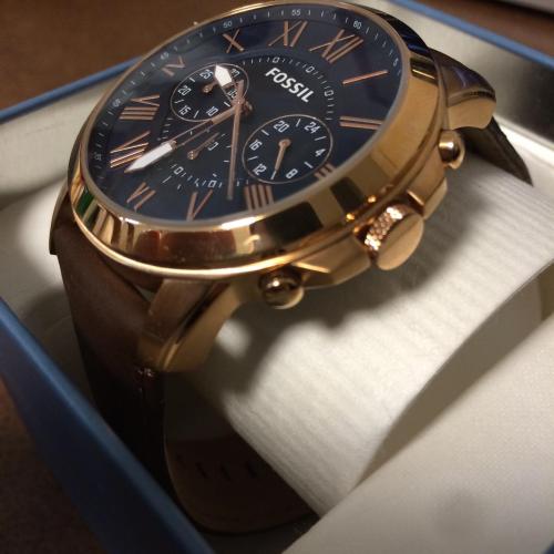 6 mẹo nhận biết đồng hồ bạn đeo là hàng hiệu thật hay nhái