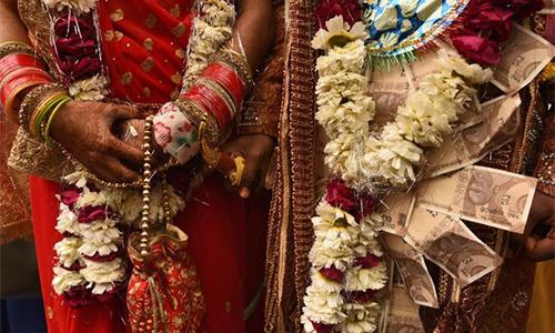 Nhiều đám cưới ở Ấn Độ vẫn nặng về vấn đề của hồi môn. Ảnh: