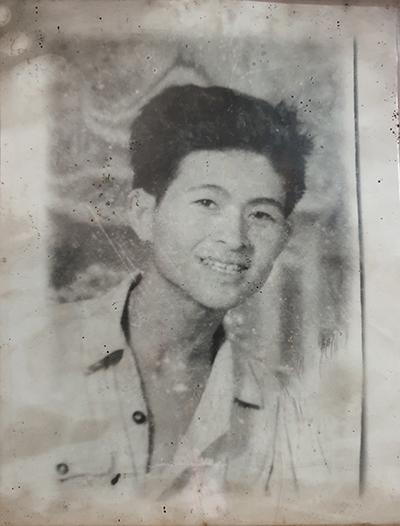 Ông lự năm 28 tuổi rời quân ngũ và về lập gia đình. Ảnh: Trọng Nghĩa.