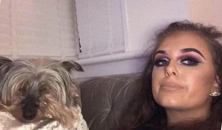 Cô gái kêu gọi các công ty cho phép nhân viên nghỉ việc nếu thú cưng chết. Ảnh: Mirror.