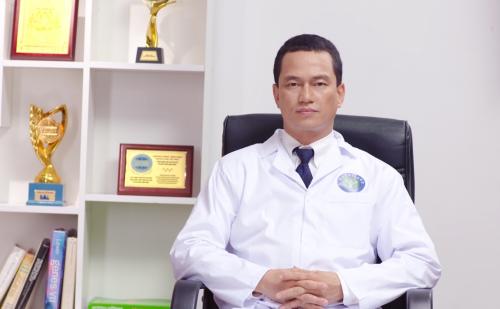 Thạc sĩ, bác sĩ Nguyễn Đức Minh, Tổng giám đốc Nutricare, nguyên phó phòng quản lý khoa học Viện Dinh dưỡng quốc gia.