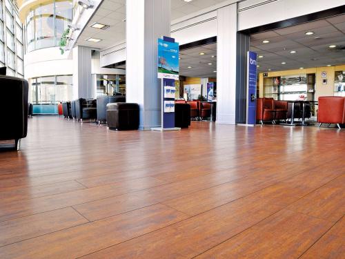 Sàn gỗ BerryAlloc tại sân bay quốc tế Tehran, Iran.