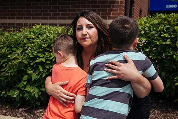 Danielle Rizzo và hai con. Ảnh: Washingtonpost.