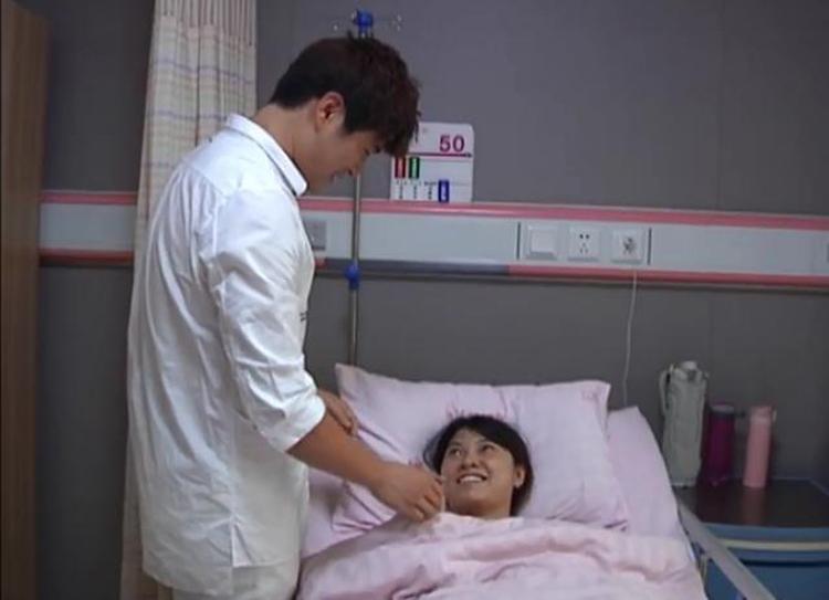 Vợ đau đẻ, chồng chọn đi cứu bệnh nhân - ảnh 2