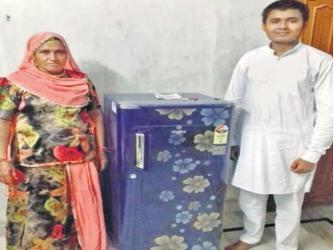 Tiết kiệm 12 năm để mua tủ lạnh cho mẹ