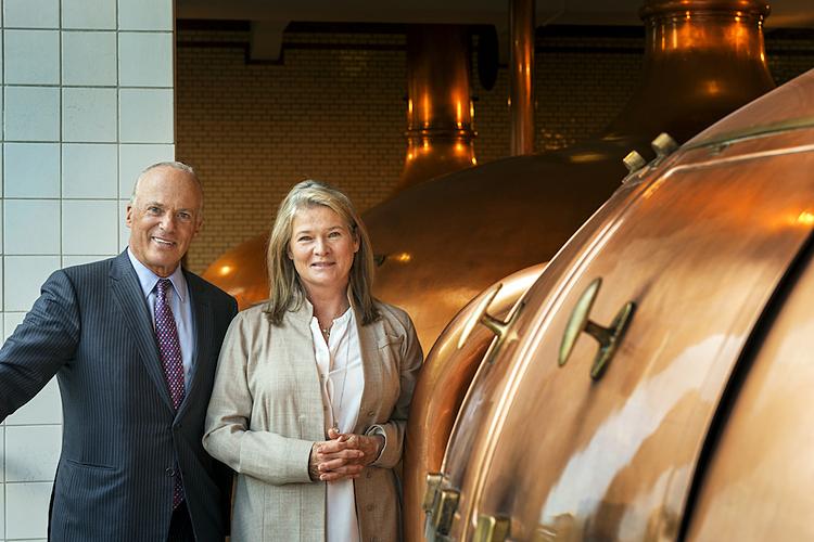 Charlene và Michel tại trụ sở Heineken. Ảnh: Fortune.