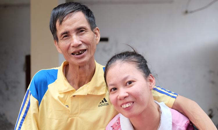 Ông Kiên chỉ mongsức khỏe tốt để có đủ thời gian chăm sóc con gái. Ảnh: Hải Hiền.