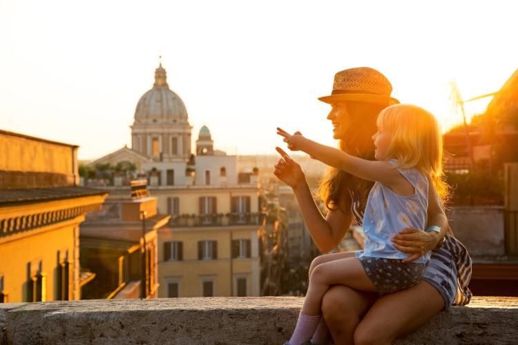 Trẻ em được giáo dục thông qua những trải nghiệm muôn màu trong các chuyến đi.