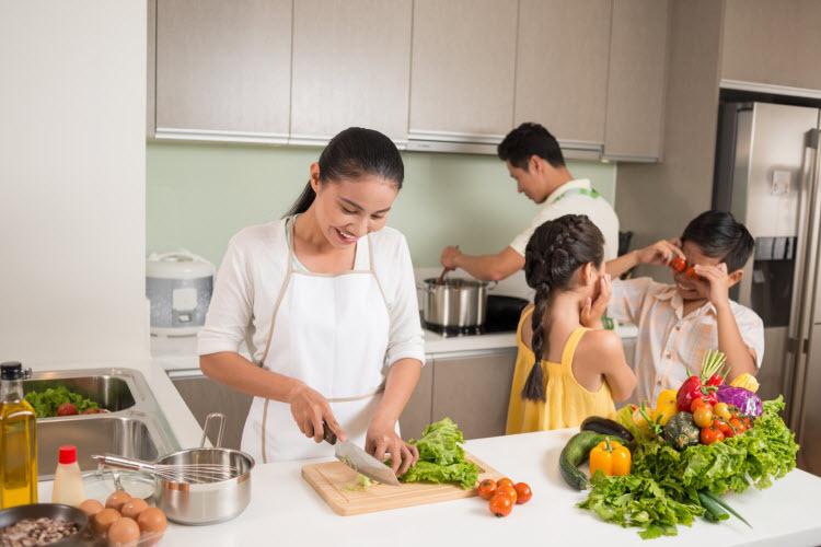 Bố mẹ Việt có thểcùng con thổi thêm yêu thương bằng những dự ántại gia.