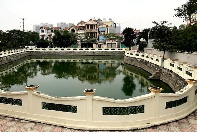 Ao Sau Đình sau khi được cải tạo giống như một công viên thu nhỏ, có đường dạo rộng 2 - 4 mét, khôngnhận nước thải nữa. Ảnh: HảiHiền.