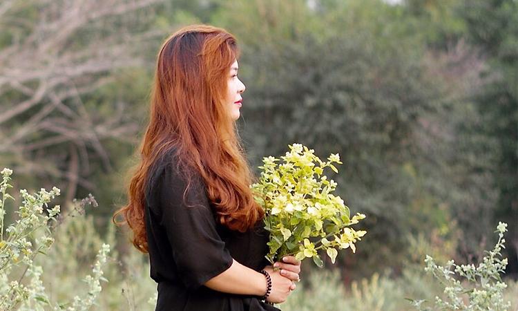 Hải Minh thử váy cưới để chuẩn bị cho lễ báo hỉ đầu năm 2020. Ảnh: H.M.