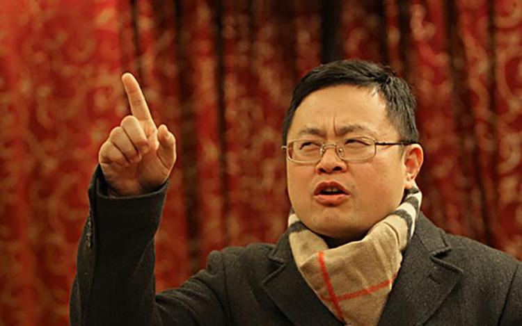 Ông Hà Lý Sinh luôn cho rằng, hà khắc trong giáo dục là cách dạy con trẻ thành tài. Ảnh: qq.